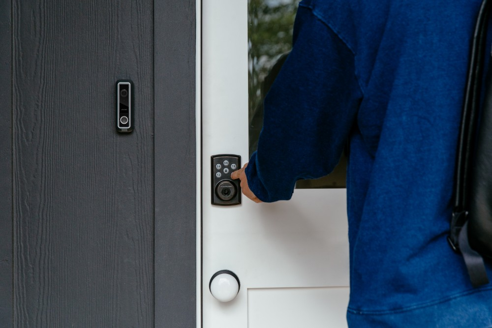 Mengapa Akses Kontrol Pintu Penting untuk Bangunan?